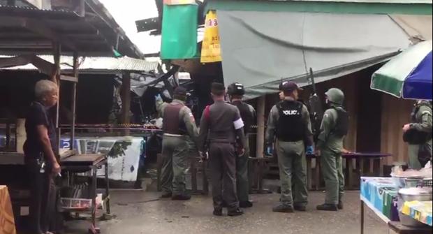 Danh bom xe giua cho o Nam Thai Lan, 21 nguoi thuong vong hinh anh 1