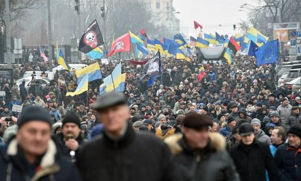 Ukraine: Hang nghin nguoi bieu tinh doi luan toi Tong thong Poroshenko hinh anh 1