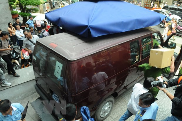 Bo Cong an kham xet Eximbank Chi nhanh TP.HCM, bat giu hai nguoi hinh anh 2