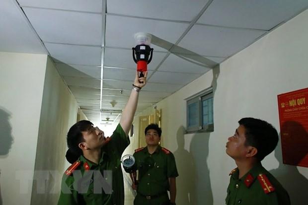 Bo Cong an kiem tra dot xuat an toan chay no tai chung cu Linh Dam hinh anh 1