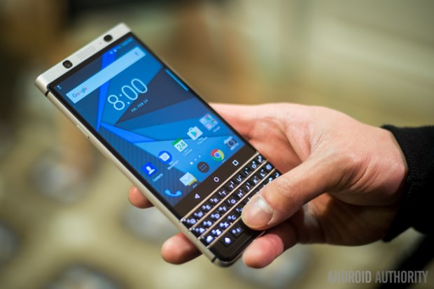 BlackBerry he lo ve mau dien thoai Key2 ban phim QWERTY tiep theo hinh anh 1
