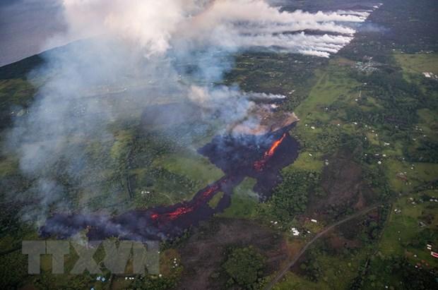 Dung nham nui lua Kilauea de doa nha may dien dia nhiet tai Hawaii hinh anh 1