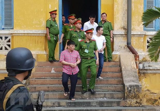Xu phuc tham nhom khung bo dat bom o san bay Tan Son Nhat hinh anh 1