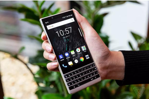 BlackBerry Key2 chinh thuc ra mat, camera kep, giao dien tinh te hinh anh 1