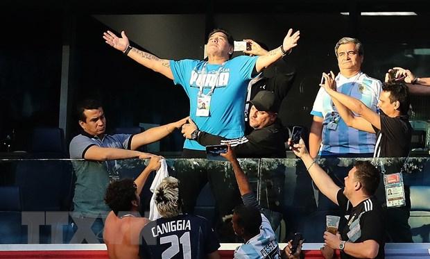 Huyen thoai Maradona duoc tra 10.000 bang/tran de du khan World Cup hinh anh 1