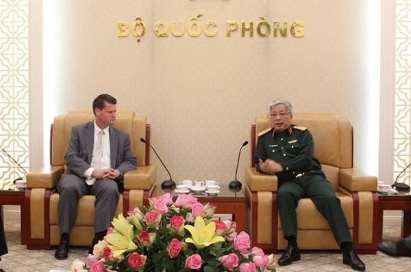 Thuong tuong Nguyen Chi Vinh tiep Tro ly Bo truong Quoc phong Hoa Ky hinh anh 1