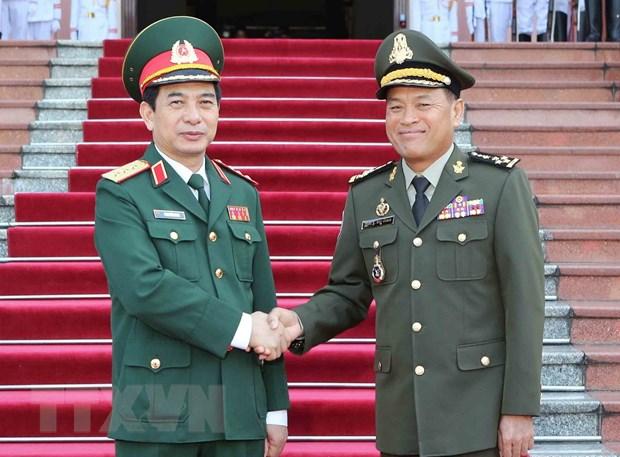 Tong Tu lenh Quan doi Campuchia Vong Pisen tham chinh thuc Viet Nam hinh anh 2