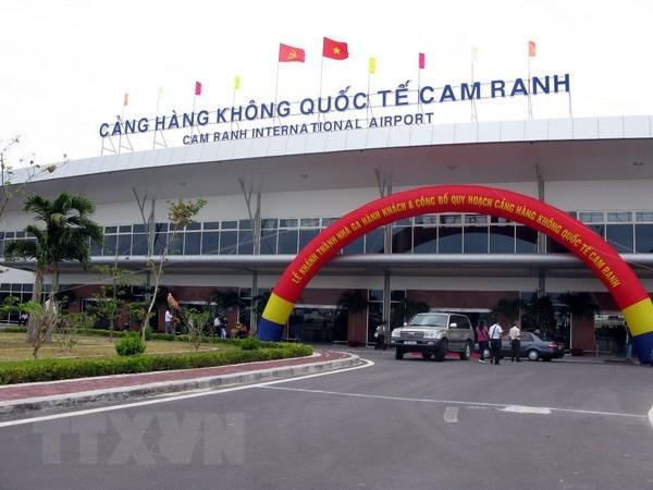 Khuyen cao sat lo, ngap ung tren tuyen duong ra san bay Cam Ranh hinh anh 1
