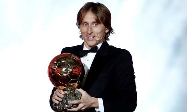 Tien ve Luka Modric gianh danh hieu Qua bong vang 2018 hinh anh 1