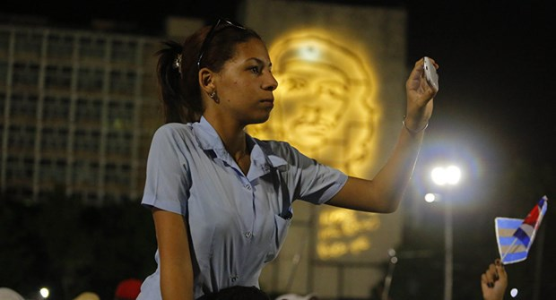 Hon 11 trieu nguoi dan Cuba chinh thuc duoc dung mang 3G hinh anh 1