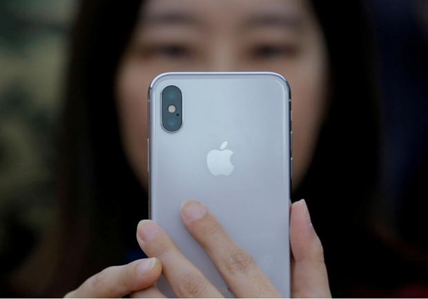 Apple day manh cap nhat phan mem tai Trung Quoc sau vu cam iPhone hinh anh 1