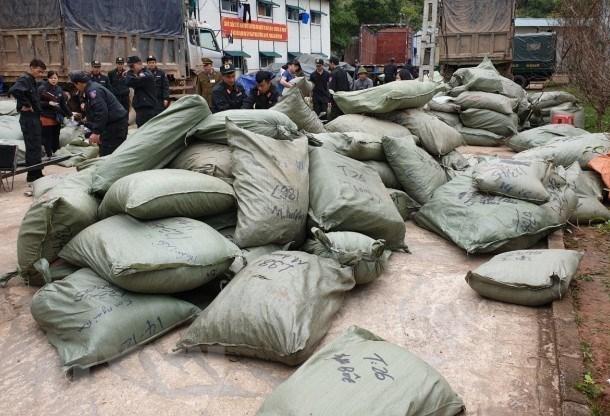 Triet pha duong day buon lau hon 100 tan hang hoa tai tinh Lang Son hinh anh 1