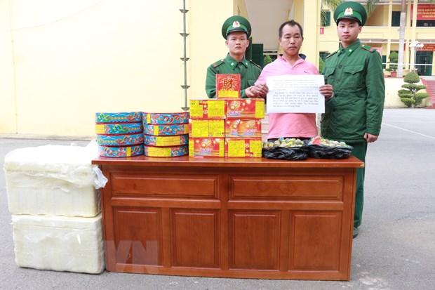 Quang Ninh: Bat doi tuong nguoi nuoc ngoai van chuyen phao lau hinh anh 1