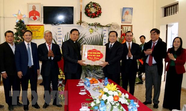 Chu tich MTTQ Viet Nam chuc mung nhan dip Giang sinh tai Ha Nam hinh anh 1