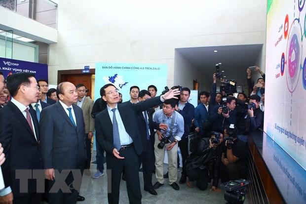 Thu tuong Nguyen Xuan Phuc: Phai dua Viet Nam dat thu hang cao ve ICT hinh anh 2