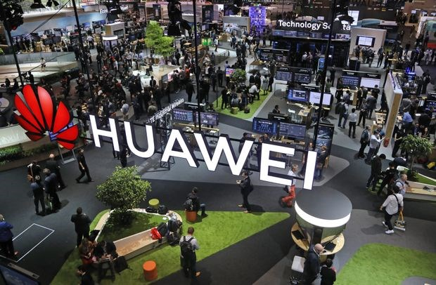 Chinh phu My ep hang loat truong dai hoc khong dung thiet bi Huawei hinh anh 1