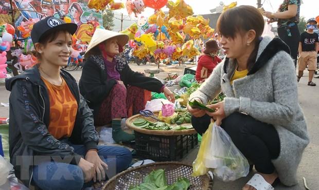 """Dau nam """"don loc, cau duyen"""" tai phien cho khong noi thach, mac ca hinh anh 1"""