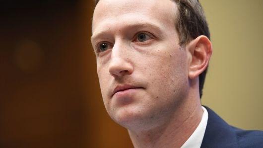 Bao cao cua Quoc hoi Anh chi trich Facebook hanh xu kieu 'xa hoi den' hinh anh 1