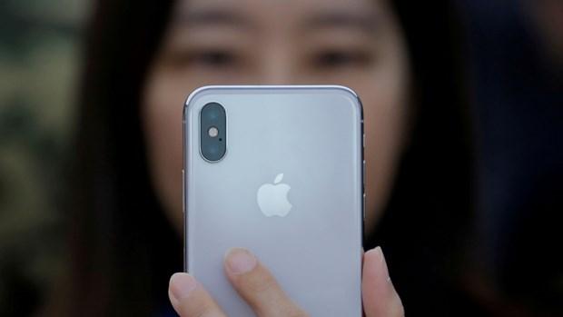 CNBC: Samsung dang mac nhung sai lam nhu Apple voi Galaxy S10 hinh anh 3