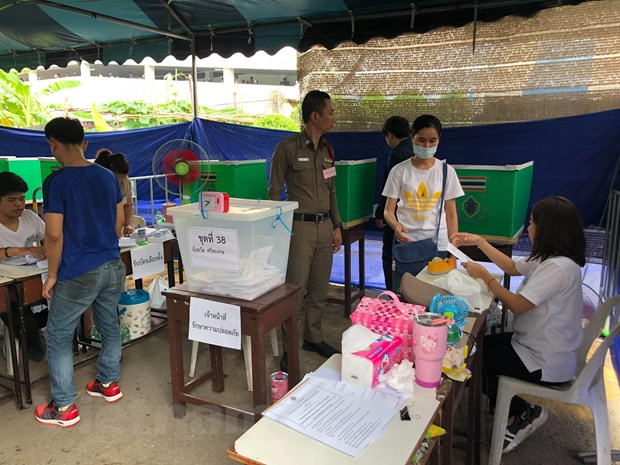 Thai Lan to chuc bo phieu tong tuyen cu som cho 2,6 trieu cu tri hinh anh 1