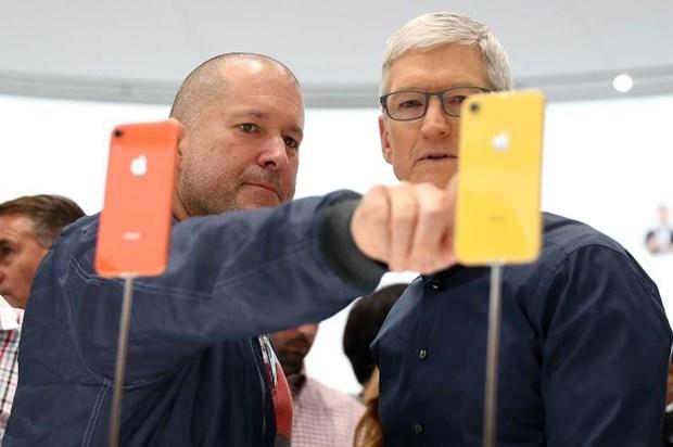 Apple bi kien gian lan chung khoan ve doanh so iPhone o Trung Quoc hinh anh 1