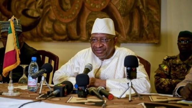 Mali: Thu tuong va chinh phu tu chuc, Tong thong keu goi doi thoai hinh anh 1