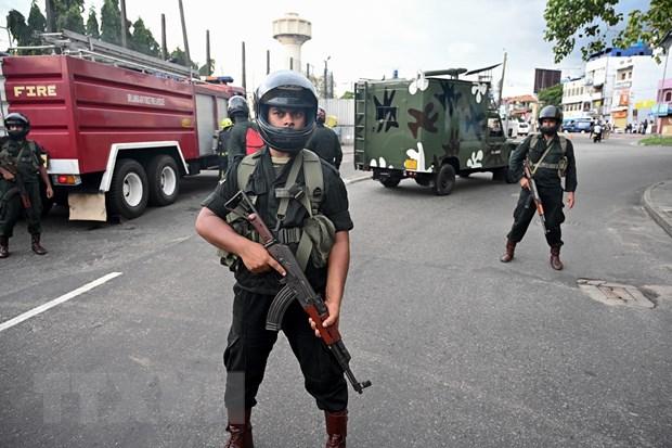 Tong thong Sri Lanka thay lanh dao quoc phong sau vu danh bom hinh anh 1