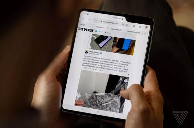 Samsung: Se som cong bo ngay phat hanh moi Galaxy Fold hinh anh 1