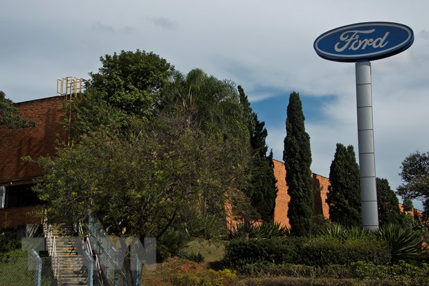 Hang Ford cat giam 7.000 viec lam trong no luc tai cau truc hinh anh 1