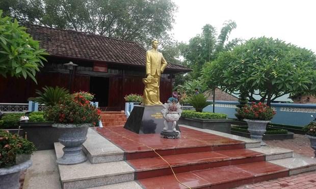 Dong chi Hoang Dinh Giong voi cach mang Viet Nam va que huong Cao Bang hinh anh 2