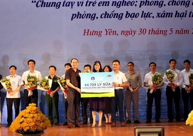 Quy sua vuon cao Viet Nam va Vinamilk chung tay vi tre em Hung Yen hinh anh 1