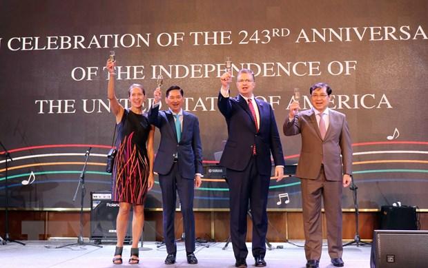 Ky niem 243 nam Quoc khanh My tai Thanh pho Ho Chi Minh hinh anh 1