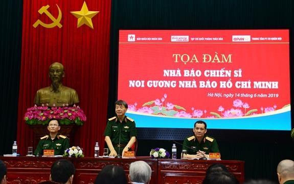 Toa dam ve nha bao chien sy noi guong nha bao Ho Chi Minh hinh anh 1
