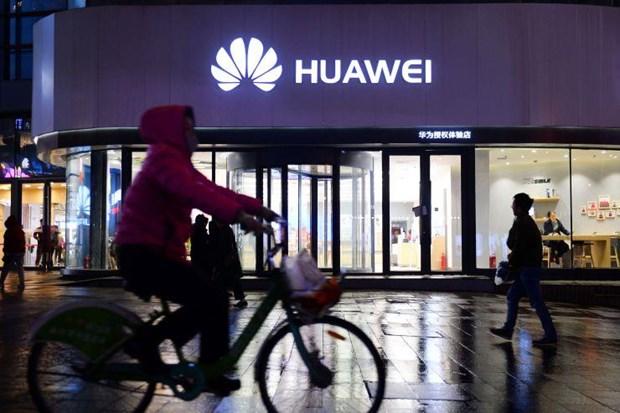 Huawei bac bo tin nhan vien tung lam viec cho quan doi Trung Quoc hinh anh 1