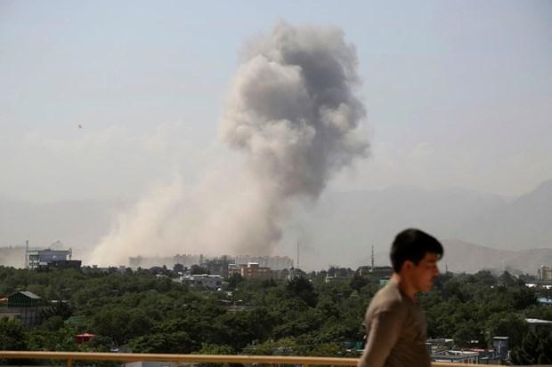 Afghanistan: No lon lam rung chuyen khu vuc gan Bo Quoc phong hinh anh 1
