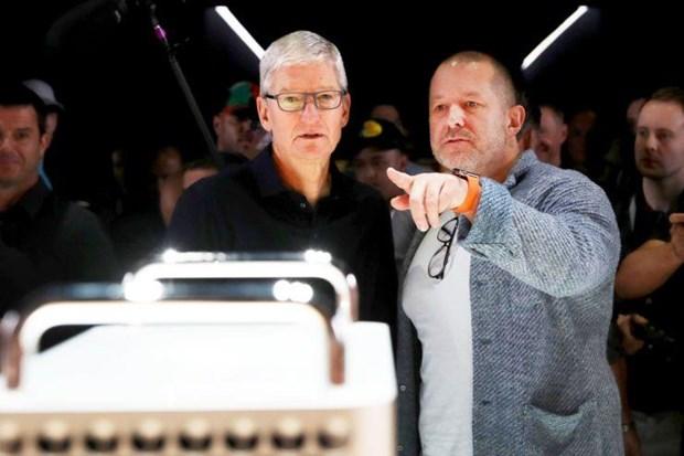 CEO Apple Tim Cook phan ung gay gat truoc tin bat dong voi Jony Ive hinh anh 1