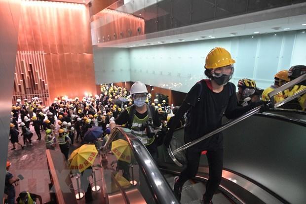 Chinh quyen Hong Kong len an nguoi bieu tinh hanh dong qua khich hinh anh 1