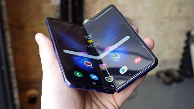 Bloomberg: Loi man hinh cua Galaxy Fold da duoc xu ly xong hinh anh 1