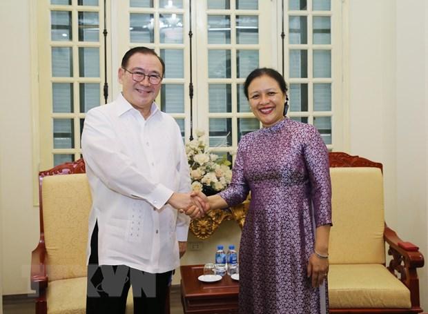 Tang cuong hop tac huu nghi, giao luu nhan dan Viet Nam-Philippines hinh anh 1