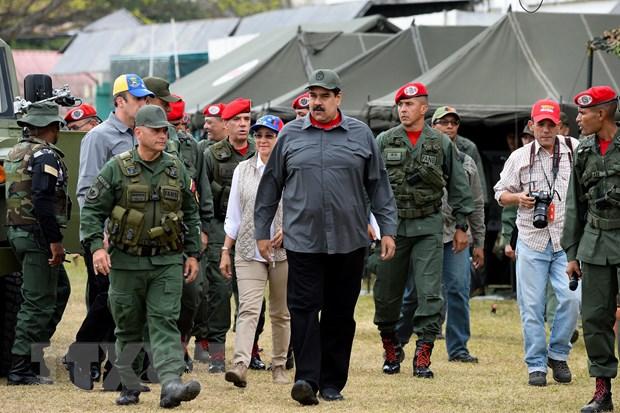 Tong thong Venezuela thay the mot loat Tu lenh cac quan chung hinh anh 1