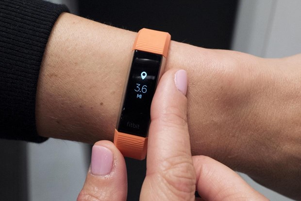 Fitbit se cung cap 'mien phi' vong thong minh cho nguoi dan Singapore hinh anh 1