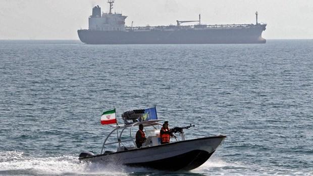 Iran bat giu tau o vung Vinh do nghi buon lau dau toi UAE hinh anh 1