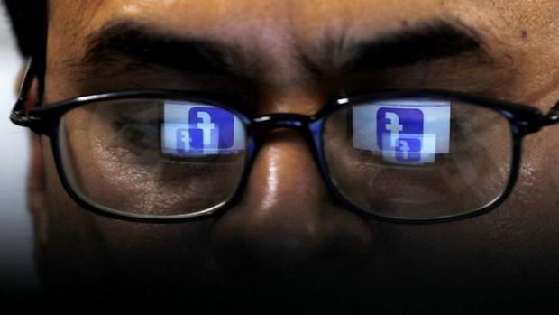 Facebook dang phat trien kinh thong minh thuc te tang cuong hinh anh 1