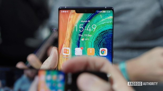 Khong Google, Mate 30 van la cau tra loi cua Huawei voi iPhone 11 hinh anh 1