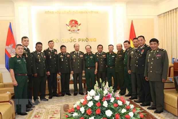 Tang cuong hop tac quoc phong giua Viet Nam-Campuchia hinh anh 1