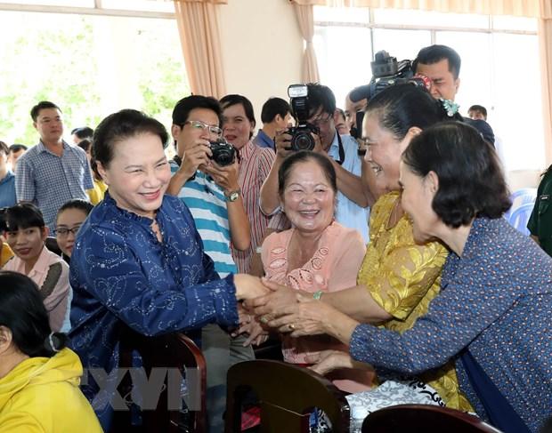 Chu tich Quoc hoi Nguyen Thi Kim Ngan tiep xuc cu tri Can Tho hinh anh 1
