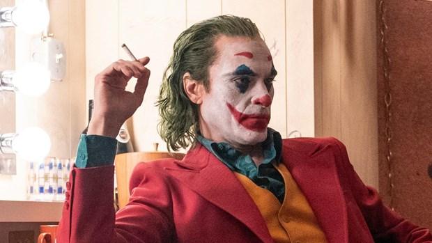 Joker: Mo xe cai Ac bang dang cap cua Joaquin Phoenix hinh anh 2