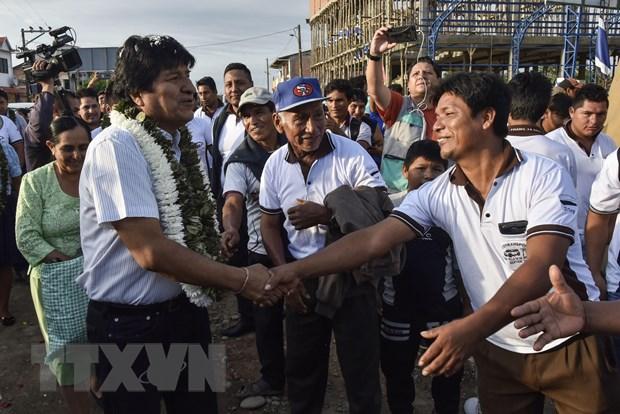 Tong thong Evo Morales dan dau cuoc tong tuyen cu o Bolivia hinh anh 1