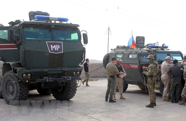 Khoang 300 quan canh bo sung cua Nga da toi Syria tro giup nguoi Kurd hinh anh 1
