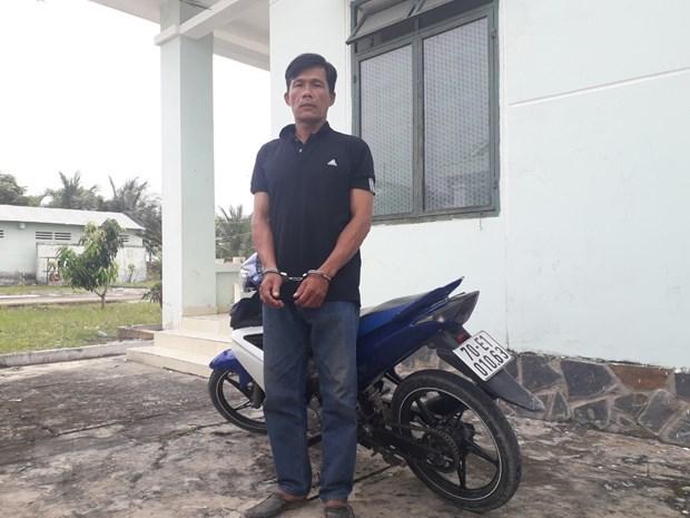 Bat giu doi tuong trom xe moto chuan bi mang qua bien gioi tieu thu hinh anh 1